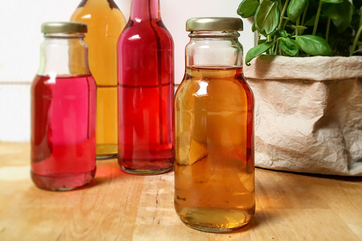 azijn-flesjes-oost-indische-kers-bieslook